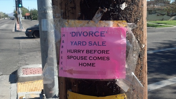 Divorce yard sale - funnypictures.me