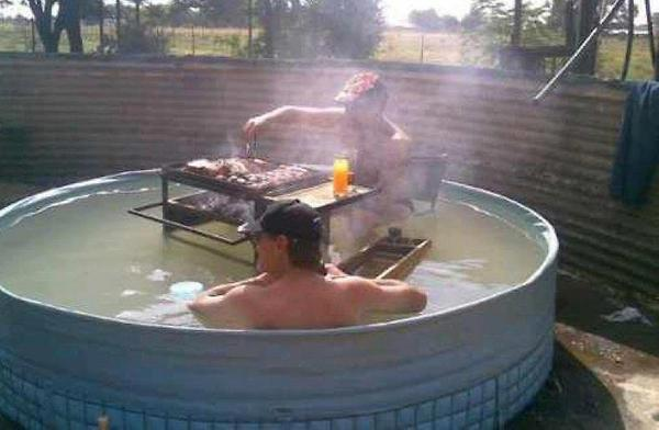 BBQ In The Pool - funnypictures.me