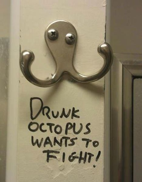 Drunk Octopus Wants To Fight - Funny pictures