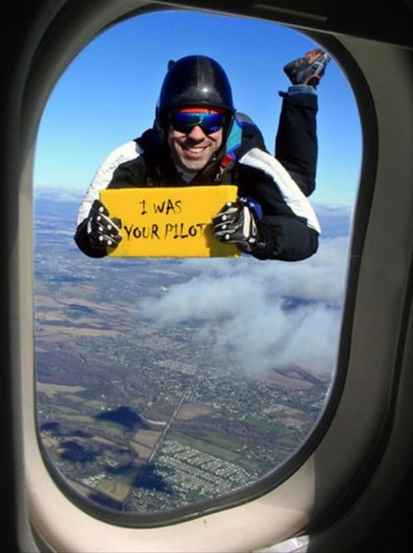 You Don't Want To See This While You're In An Airplane - Funny pictures