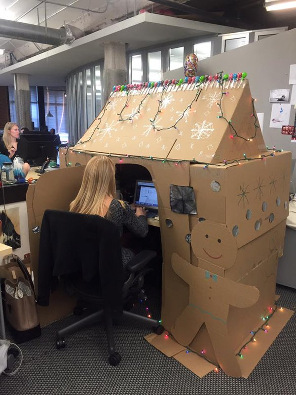Christmas decoration in office - Funny pictures